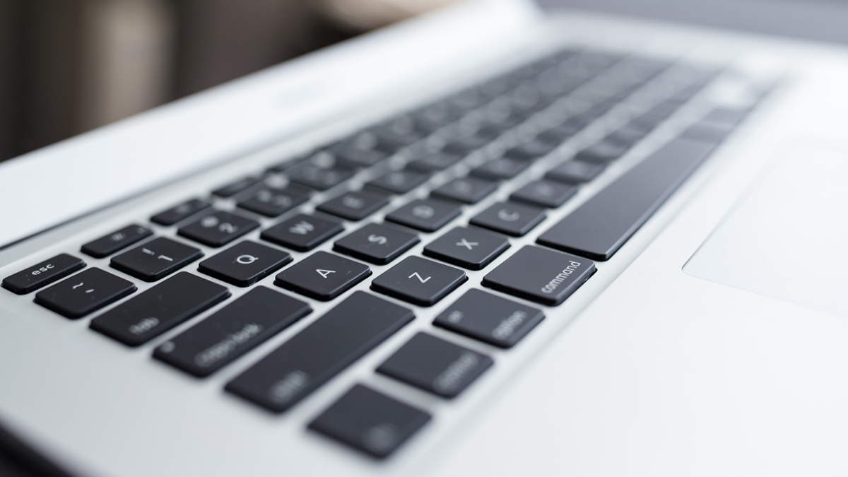 a picture of a laptop keyboard