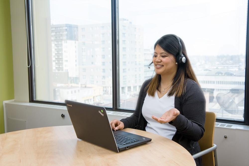Student attending an online interactive class