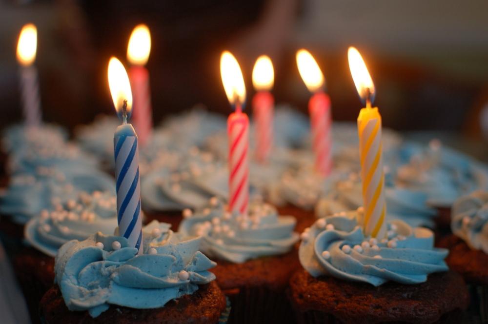 birthday blue cake