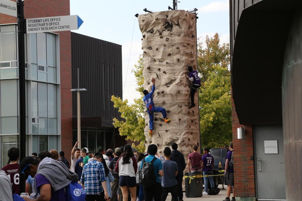 Students rockclimbing at orientation