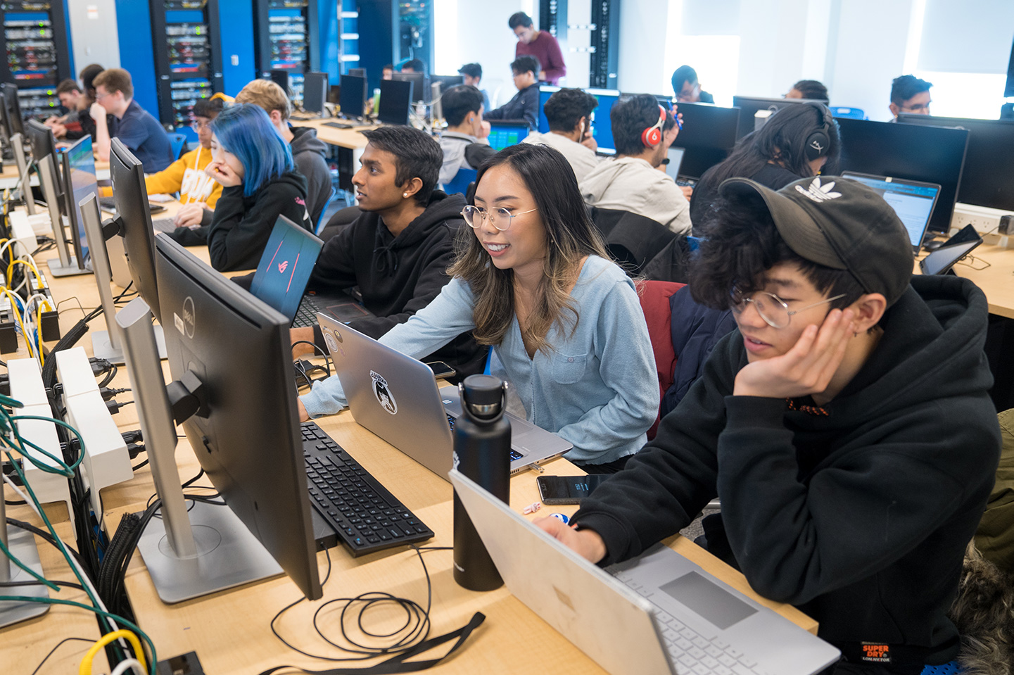 Students in a computer lab at Ontario Tech
