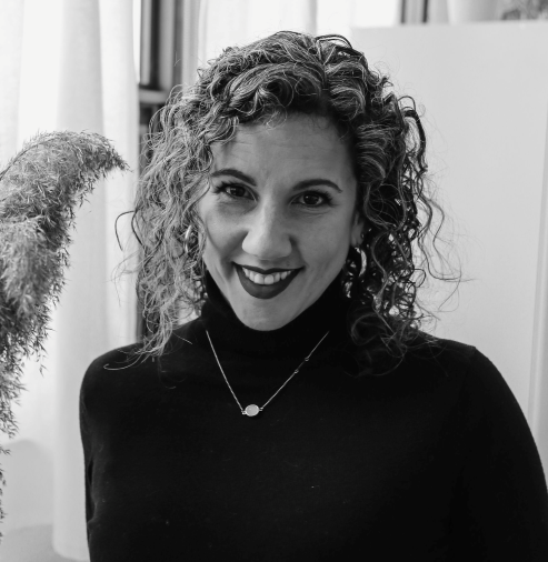 This is a profile picture of Dr. Sharon Lauricella, Associate Professor with the Faculty of Social Science and Humanities at Ontario Tech University.